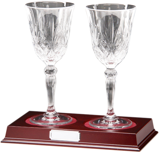"Set of 2 Cut Crystal Wine Glasses on Wooden Base 22cm (8.75"")"