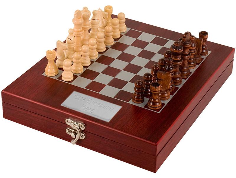 Rosewood Finish Chess Set 23.5cm x 27.5cm