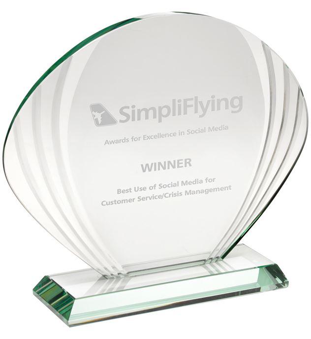 "Shell Shaped Glass Award 18.5cm x 22cm (7.25"" x 8.75"")"