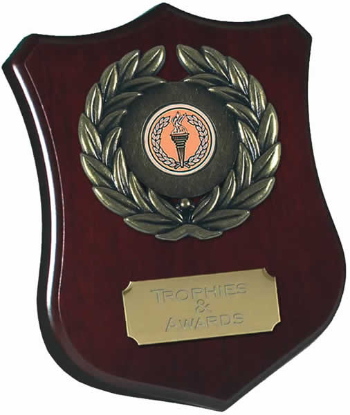 """Wooden Shield Award with Leaf Surround 15cm (6"""")"""